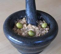Crème de thon aux câpres et aux olives - recette indexée dans les Divers