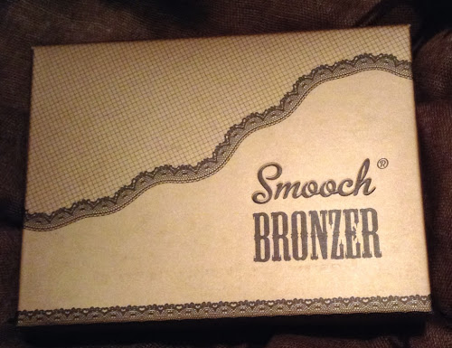 Picture of the box of Smooch Cosmetics Bronzer