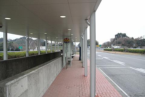 高速基山バス停 下り線 乗り場
