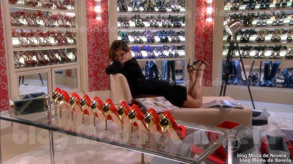 moda da novela Sangue Bom, closet de sapatos da Amora