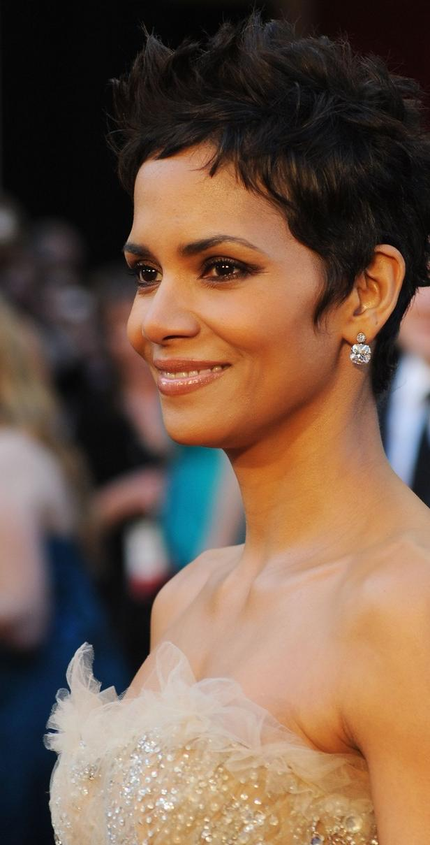 halle berry 2011 academy awards. Halle Berry - 2011 Oscars Red