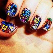 Unhas com desenhos coloridos para o verão