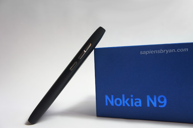 Side View Of Nokia N9
