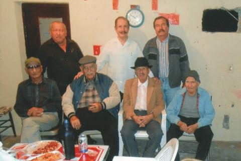 Celebración de cumpleaños de Leonel Garza González