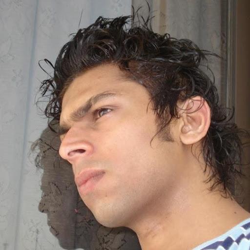 Nomi Lakhani Photo 1