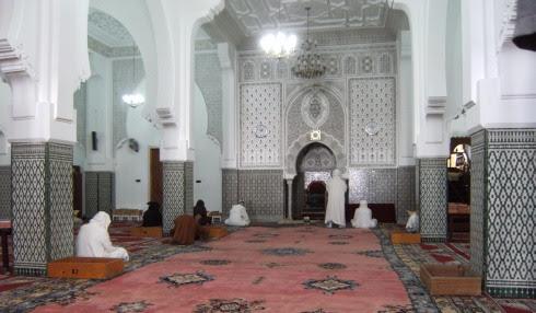 Vor dem Freitagsgebet in der Moschee von Agadir