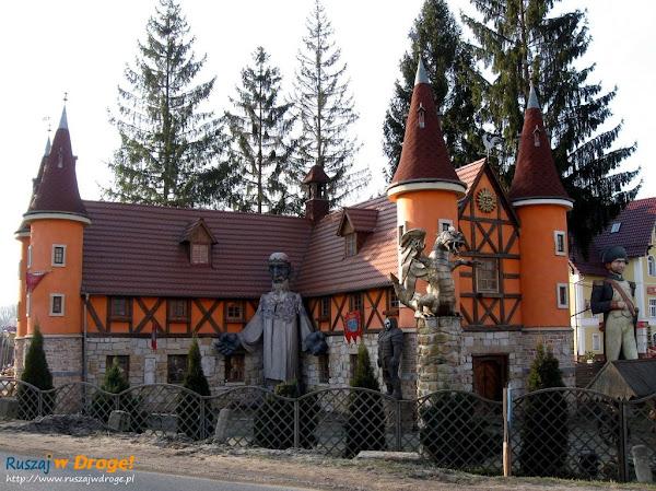 Magiczny Zamek Śląskich Legend w Pławnej