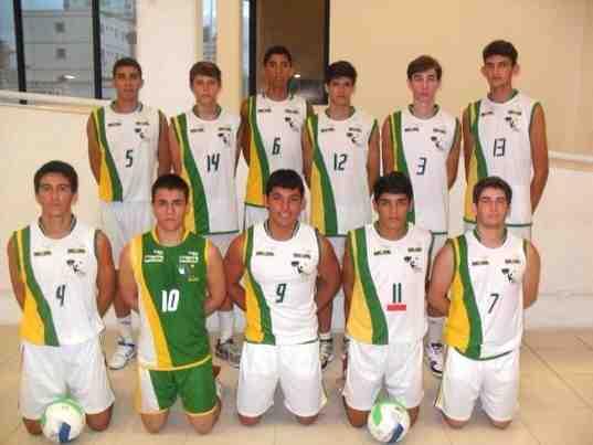 Voleibol masculino da AABB de Natal representa RN em competição regional na cidade de Fortaleza