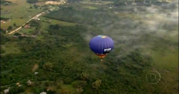 imagem de balão sobre o pampa gaucho