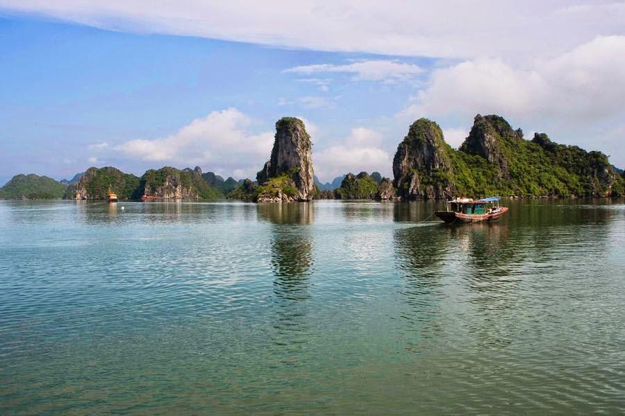 Bahía de Halong, Vietnam, otra de las maravillas naturales del mundo