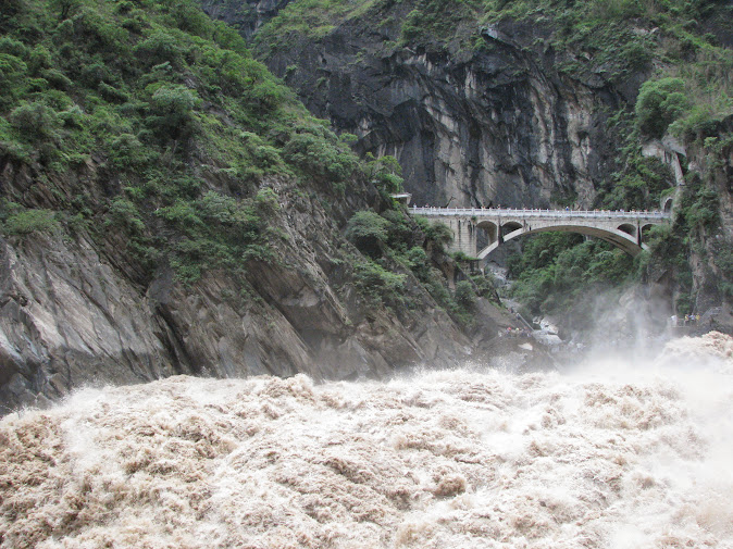 The rushing waters at the Tiger Leaping Gorge from the Shangri-La side (2012)
