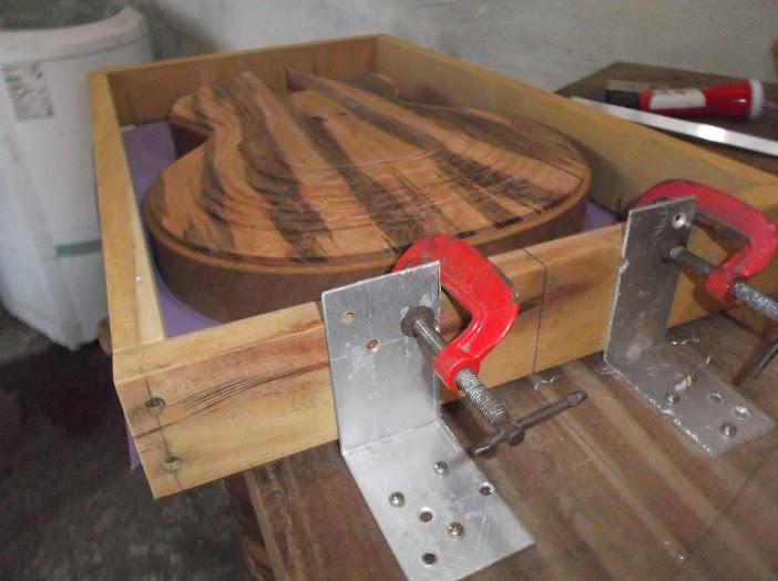 Construção inspirada Les Paul Custom, meu 1º projeto com braço colado (finalizado e com áudio) - Página 3 DSCF1300