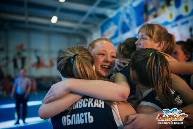 девушки Красноткацкой СОШ одержали уверенную победу со счётом 37:60
