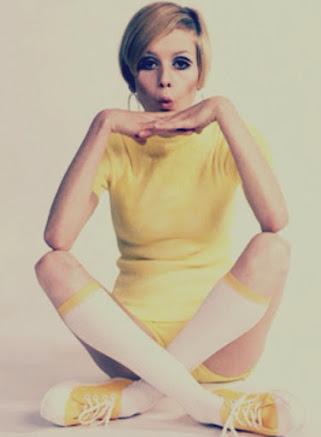 Twiggy photo yellow 60's era