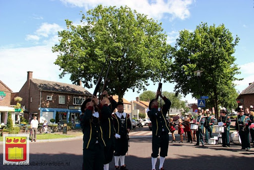 Koningschieten Sint Theobaldusgilde overloon 01-07-2012 (119).JPG