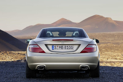 2012_Mercedes-Benz_SLK_350_3000x2000_Rear