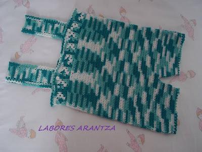 ropa de bebé hecha a mano y accesorios peto