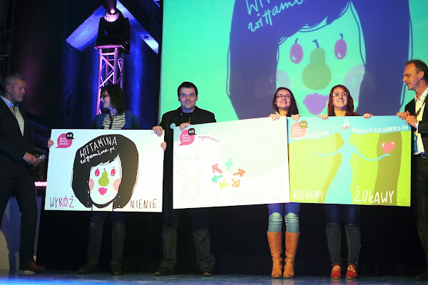 Wyróżnieni w Blog of Gdańsk 2013 na scenie. fot. Dominik Staniszewski Trójmiasto.pl