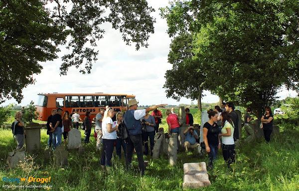wycieczka na cmentarzu mennonitow w Perdonowie