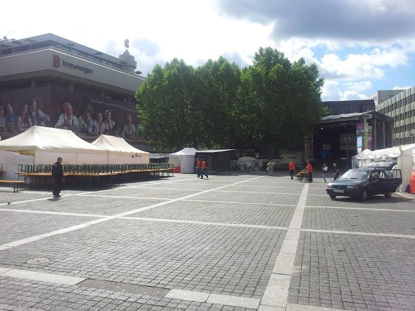 Bild vom noch leeren Marktplatz