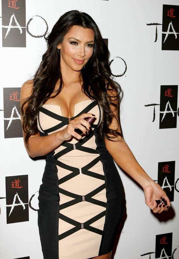 Kim Kardashian Big Cleavage(Best-6photos)6
