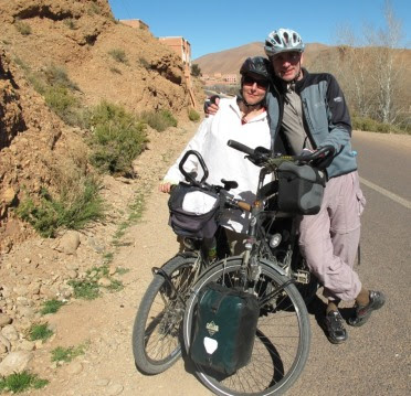 Miri & Chris im Dades-Tal, Marokko; Foto: Cecilia Romero