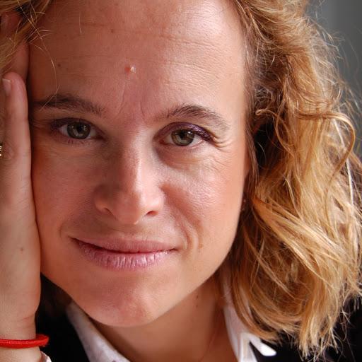 Isabel Guevara Photo 13