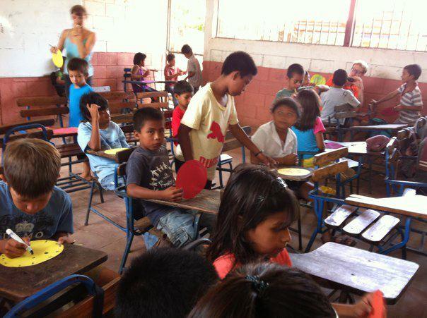 Adios escuela de verano! dans L'école et le travail de volontaire 377882_10150658776792926_571647925_11988249_37232169_n