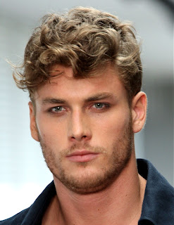 Modelli capelli mossi uomo