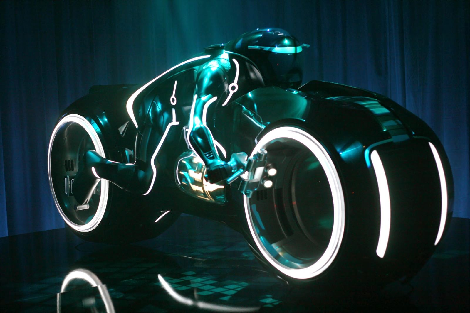 Download Tron Amazing HD Wallpaper For Pc Mobile Devices Wallpapers DownloadTron Images Ultra Hd ImagesTron Live WallpapersTron Screen Savers