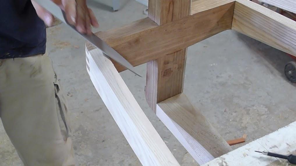 Chaise design pour petit garçon - Page 2 P1060970-001