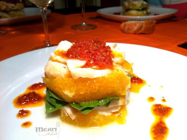 milhojas de bacalao, naranja, espinacas y aceite de tomate seco restaurante a domicilio Mejor en casa