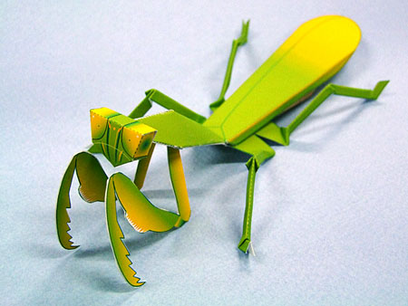 Praying Mantis Papercraft