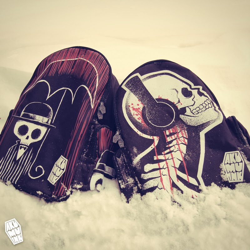 backpacks, skull back pack, skull accessories, alternative style, goth back pack, skull headphones, skull candy headphones, skeleton accessory, japanese goth, harajuku horror, jhorror, horror fashion