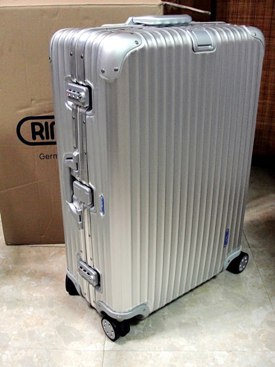 【RIMOWA行李箱】RIMOWA刮傷刮花刮痕撞凹撞傷全紀錄!狠心送廠維修中心鈑金第一篇~