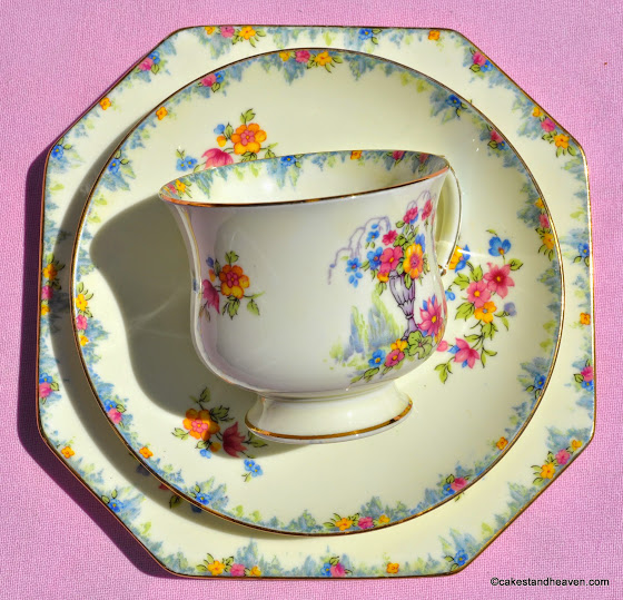 Art Deco period Paragon bone china trio
