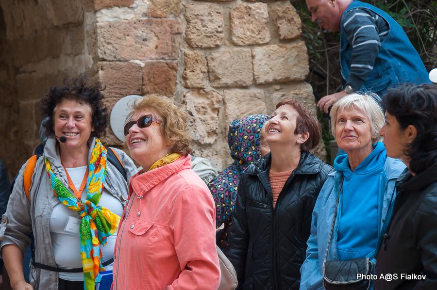 Туристы из Нетании на экскурсии в Яффо. Гид в Израиле Светлана Фиалкова.