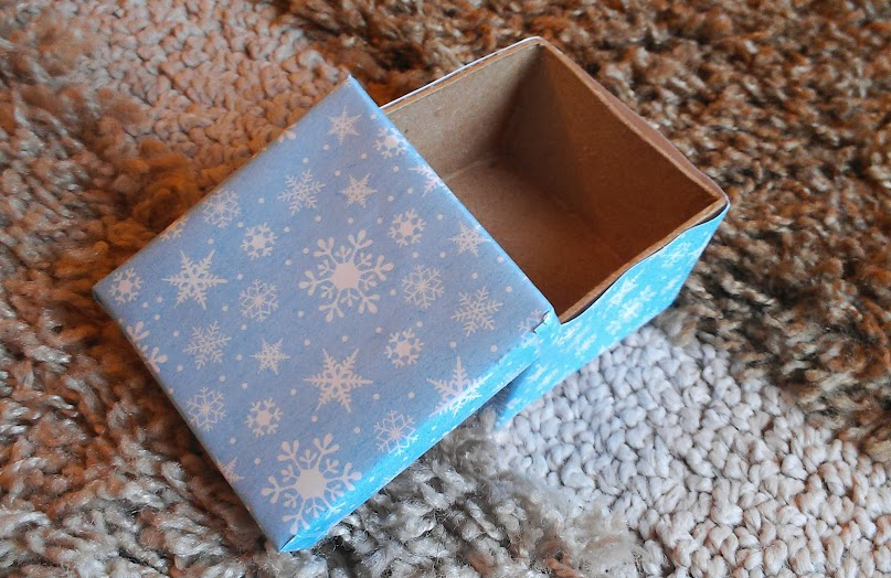 Elven Gift Box for Frosted Elf Donuts