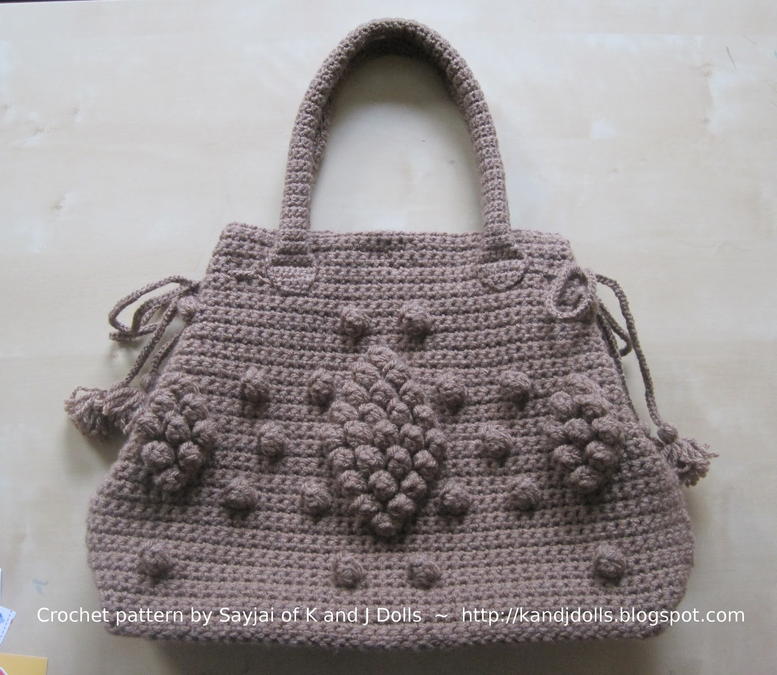 Free Crochet Pattern Bag : Click here for the free Taupe Bag crochet pattern.