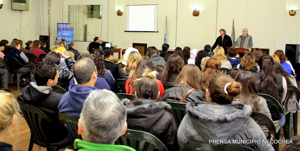 curso de Manipulación de Alimentos nivel II, dictado por el Dr. José Luis Orofino