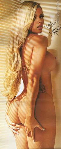 Playboy Ariane Steinkopf Ex-Panicat nua pelada