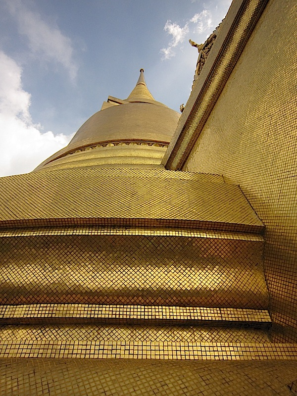 gold leaf-covered building at the Bangkok Grand Palace