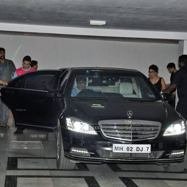 Aamir Khan and Kiran Rao leave after attending Karan Johar's party, organised at his residence, on July 26, 2014.(Pic: Viral Bhayani)