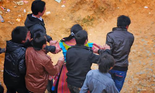 Bat vo Cách tìm vợ cho những chàng trai Mông   Tục lệ của người Mông