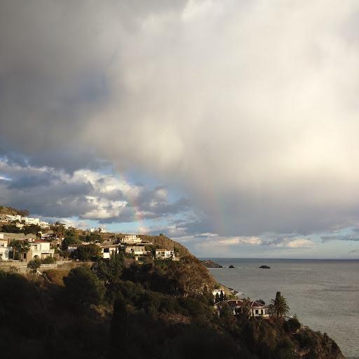 Месяц зимой к востоку от Малаги. Много фото