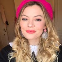 Grace Healy's avatar
