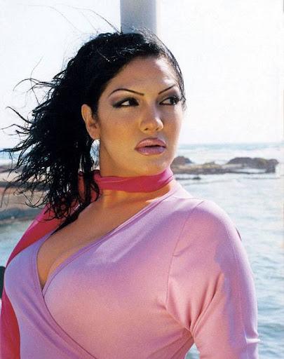Arab Model Aline Skaf face
