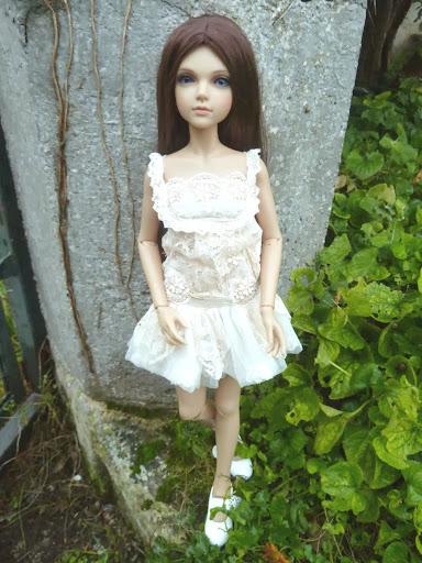 Alice (Leona JID Iplehouse) en cure de remise en forme (p 2) Arrive%25CC%2581e%2520Leona10