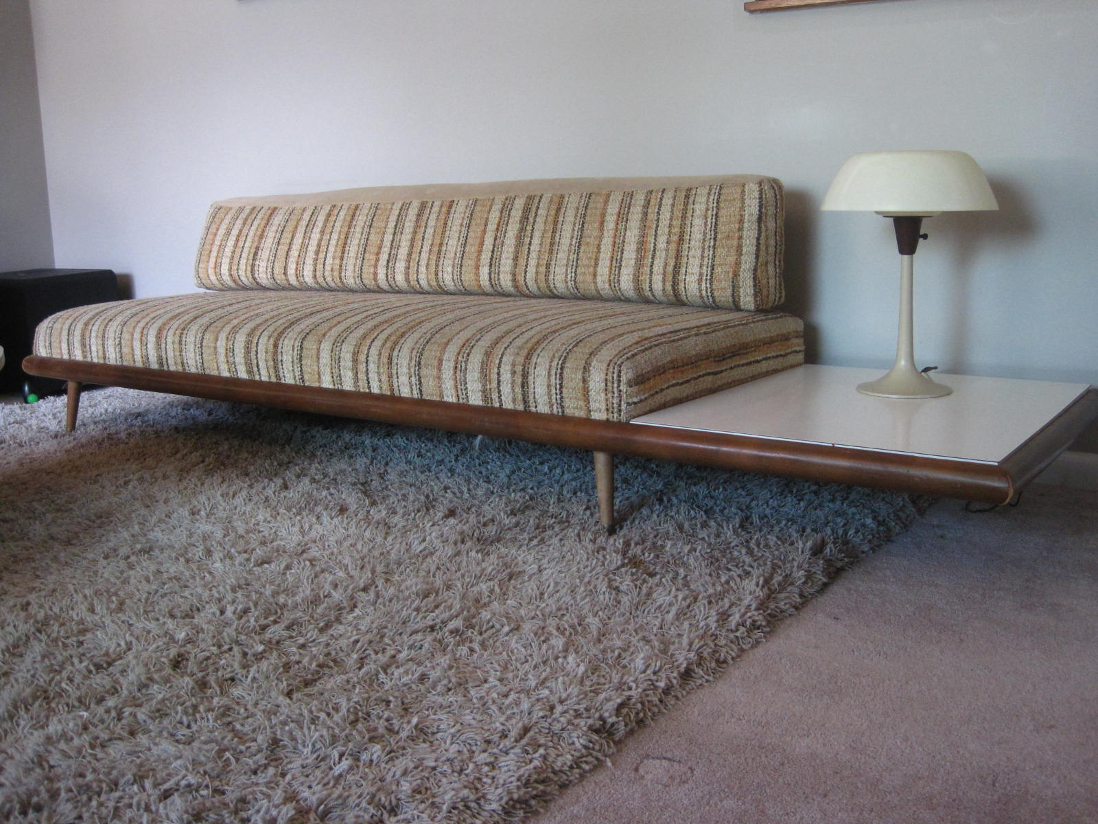Rhan Vintage. Mid Century Modern Blog.: The Couch Dilemma. Solved For Now.