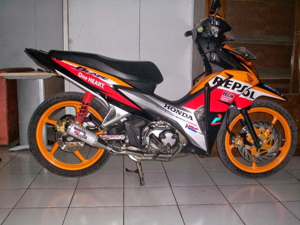 Modifikasi Motor Honda Blade Repsol